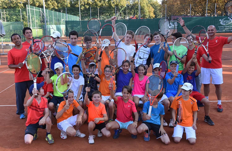 Viel Spass: Unsere Juniorinnen und Junioren mit ihren Trainern.