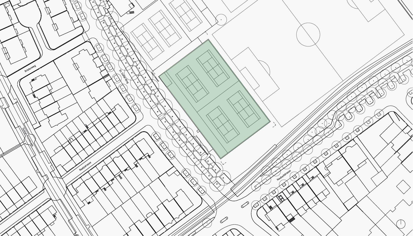 Situationsplan der neuen Halle: Die grüne Fläche zeigt die neue Halle. Zwei bestehende Tennisplätze werden dafür aufgehoben